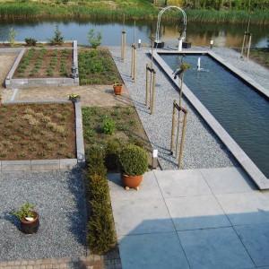 Steiger-vergroot-de-grote-tuin-5